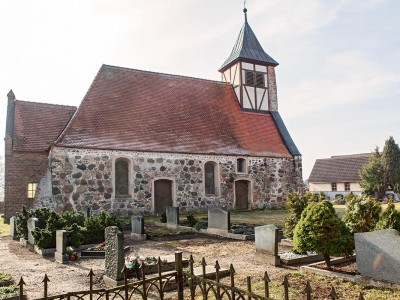 Die Kirche in Gömnigk - Außenansicht