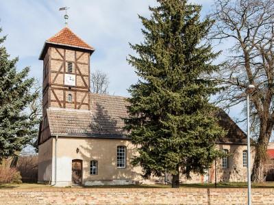Die Kirche in Neuendorf - Aussenansicht