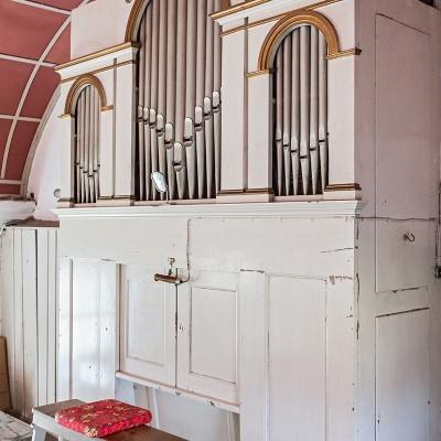 Die Kirche in Neuendorf - die Orgel