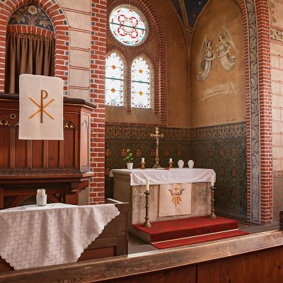 Die Kirche in Trebitz - Kanzel und Altar