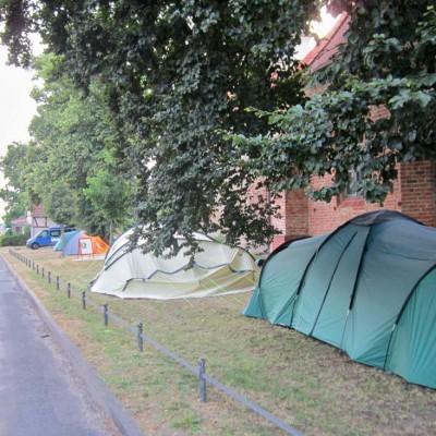Jugendwoche - Zelten an der Kirche
