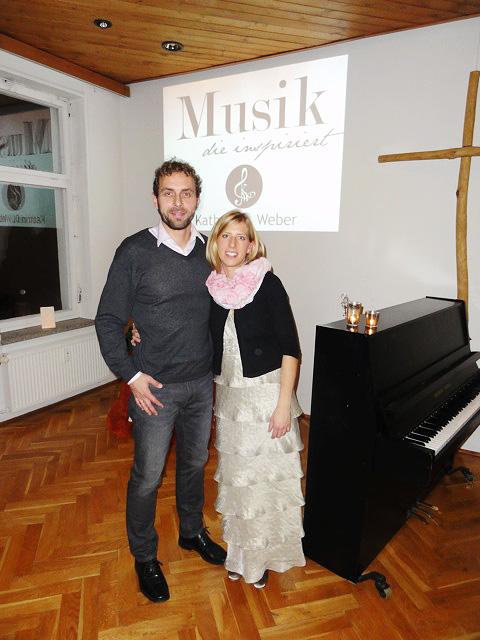 Kathrin D. Weber und musizierender Ehemann