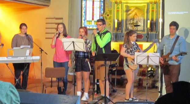 Jugendgottesdienst in Bad Belzig - die Band