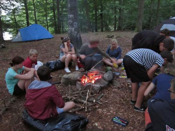 Schwedenfahrt - Essen im Wald