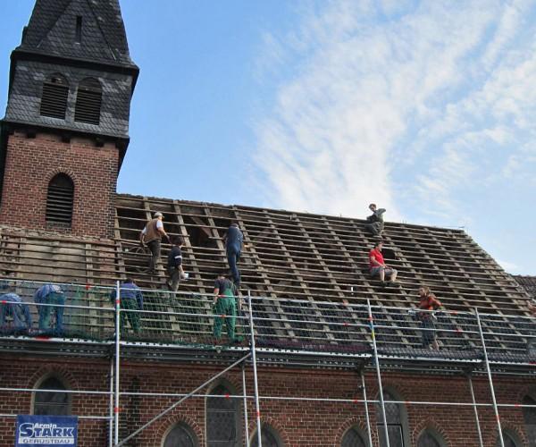 Trebitzer Kirche - Das Dach ist abgedeckt