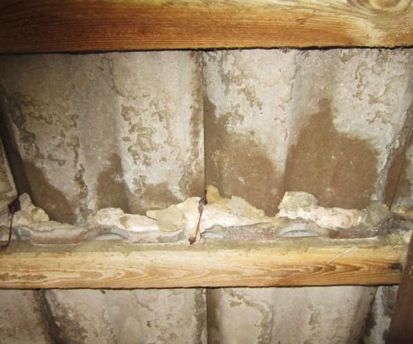 Trebitzer Kirche - durchnässtes altes Dach