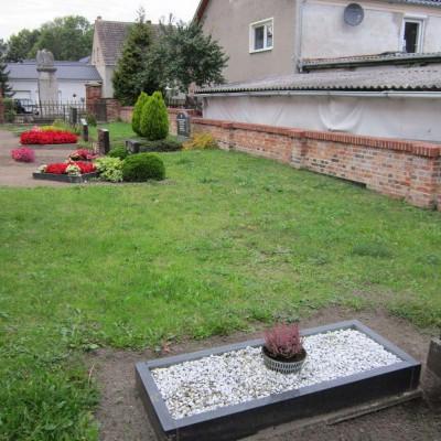 Urnengemeinschaftsanlage auf dem Friedhof Gömnigk