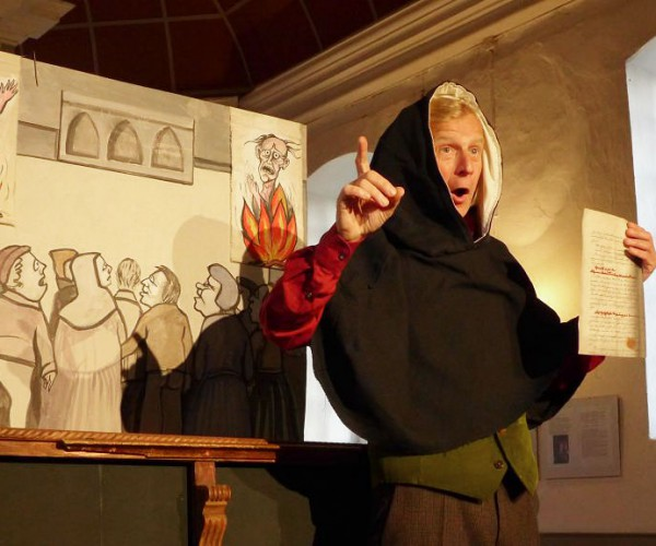 Frank Grünert als Tetzel - Sagenhafter Dr. Luther in der Kirche zu Neuendorf