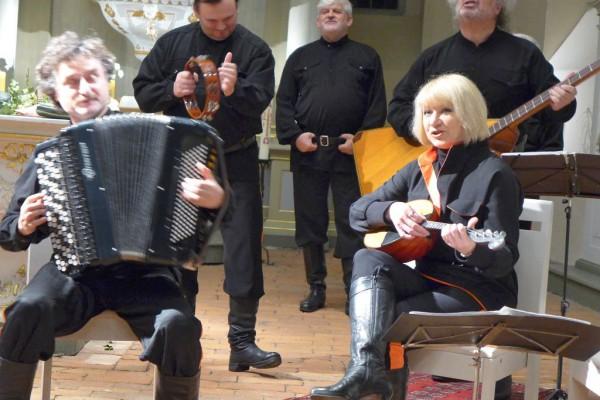 Peter Orloff mit seinen Musikern
