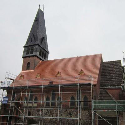 Trebitzer Kirche: Dach fast fertig!