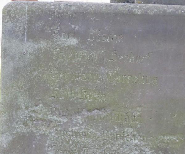 Kriegerdenkmal Brück mit verblichenden Namen