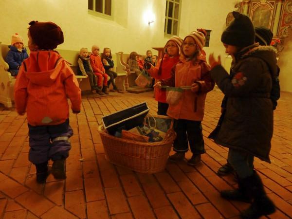 Martinsumzug Hasenbande - Geschenke für Rumänien