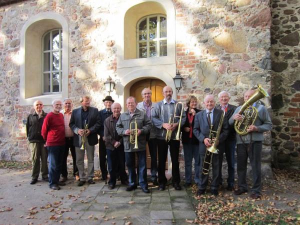 Altbläser vor Rostocker Kirche