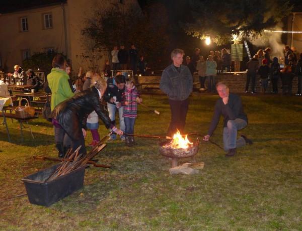 Lutherfest Neuendorf - Ausklang mit Stockbrot