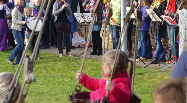 Lutherfest Neuendorf - Flöten und Karussel