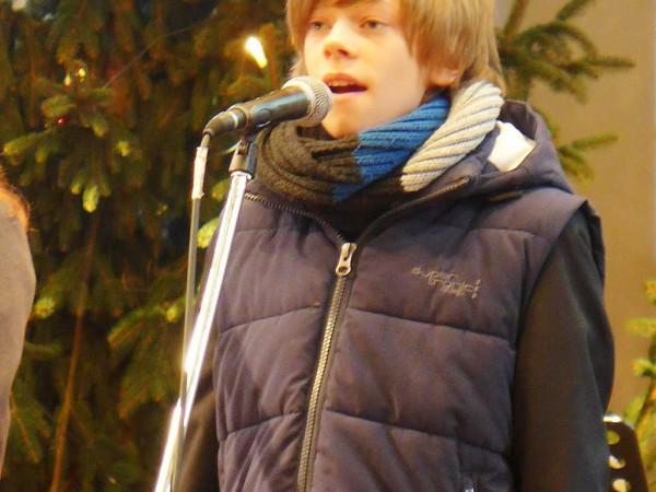 Konzert zum Adventsmarkt: Felix Fügner singt