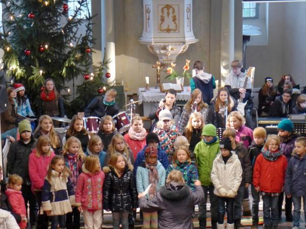 Konzert zum Adventsmarkt: Grund- und Oberschule Brück singt