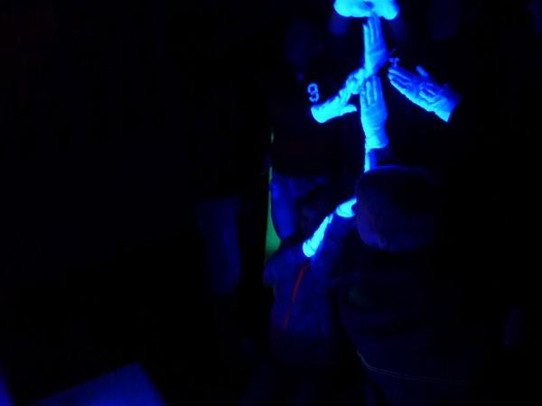 Josef im Schwarzlicht - Heiliger Abend in der Lambertuskirche Brück