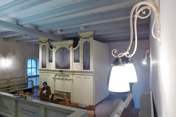 Neue Lampenschirme für die Lambertuskirche