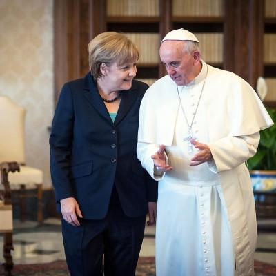Bundeskanzlerin Angela Merkel wird von Papst Franziskus zu einer Privataudienz im Apostolischen Palast empfangen.