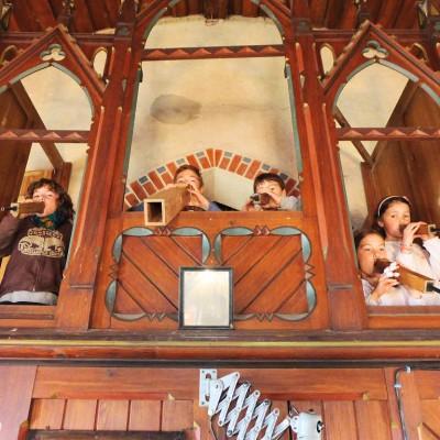Kinder in der Orgel Trebitz - Gemeindefest 2015
