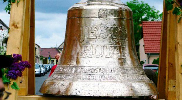 Jesus-ruft-Glocke
