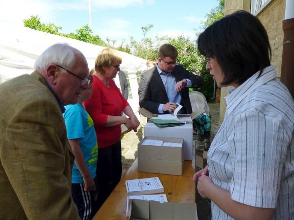 Fachsimpeln über das Stifelbuch - Gemeindefest 2015