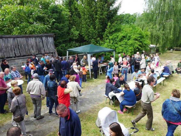 200 Besucher an der alten Schule in Trebitz - Gemeindefest 2015