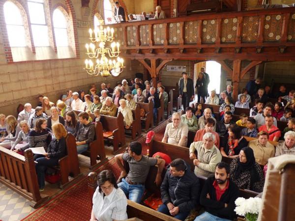Vor dem Gottesdienst - Gemeindefest des Evangelischen Pfarrbereichs Brück 2015