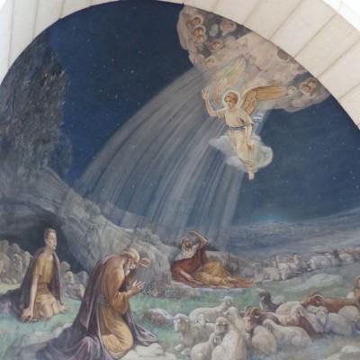 Israelreise - Bethlehem, Darstellung der Engelserscheinung in der Kirche auf den Hirtenfeldern