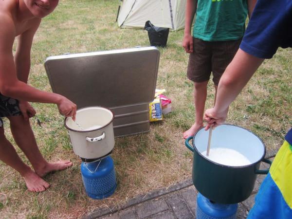 Schwedenvorfahrt 2015 - Milchreis kochen