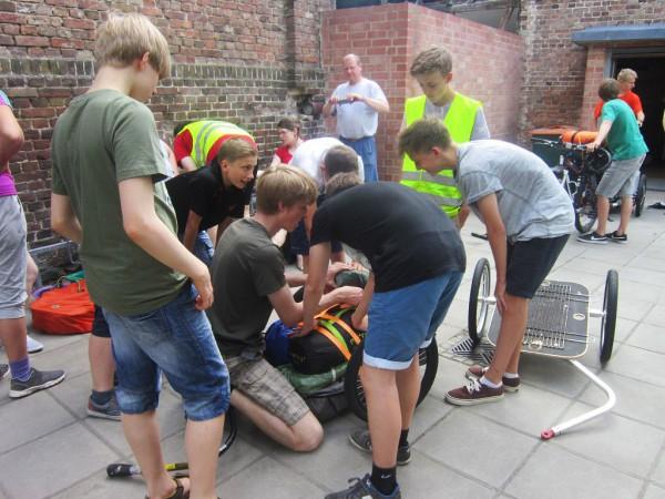 Schwedenvorfahrt 2015 - wie packt man den Zelthänger