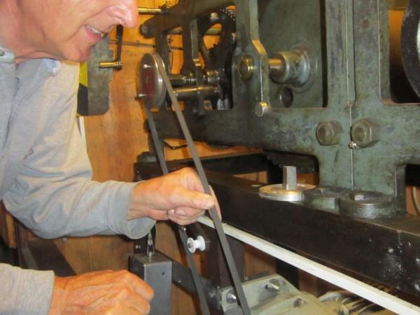 kaputter DDR Motor für den Stundenschlag an der historischen Turmuhr Brück