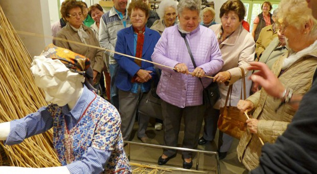 Gemeindeausflug zur letzten Rohrweberei Deutschlands