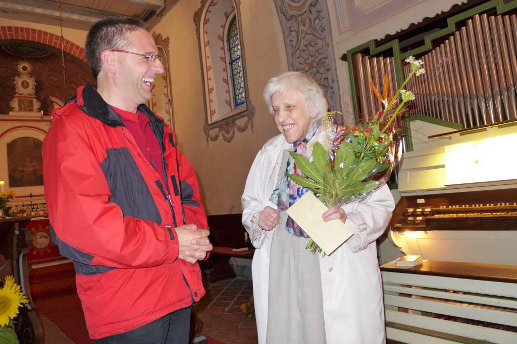 Pfarrer Kautz gratuliert