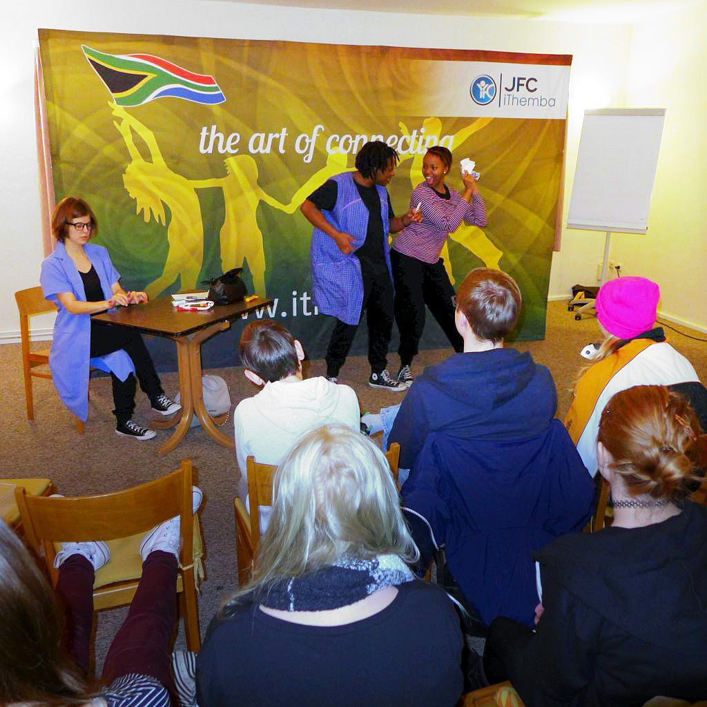 iThemba-Team aus Südafrika bei Konfirmanden in Brück