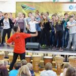 iThemba-Team aus Südafrika in der Oberschule Brück