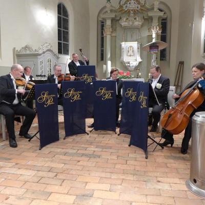 """War das schön!"" - berührendes Konzert mit dem Salonorchester Papillon in der Lambertuskirche"