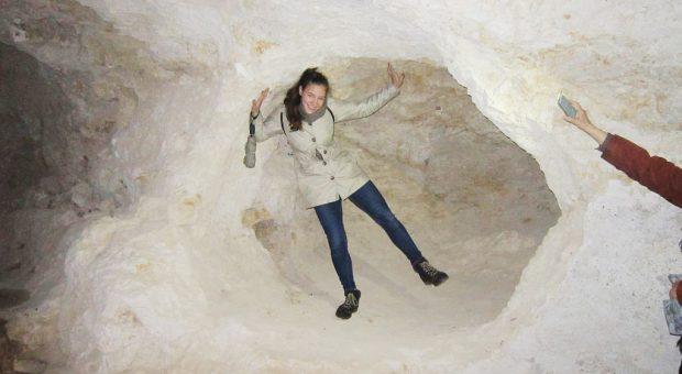 Katharina hat die Geburtshöhle gefunden