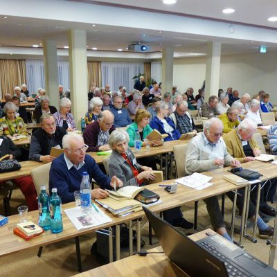 Teilnehmer bei Tagung der CVJM Senioren Initiative in Kloster Lehnin