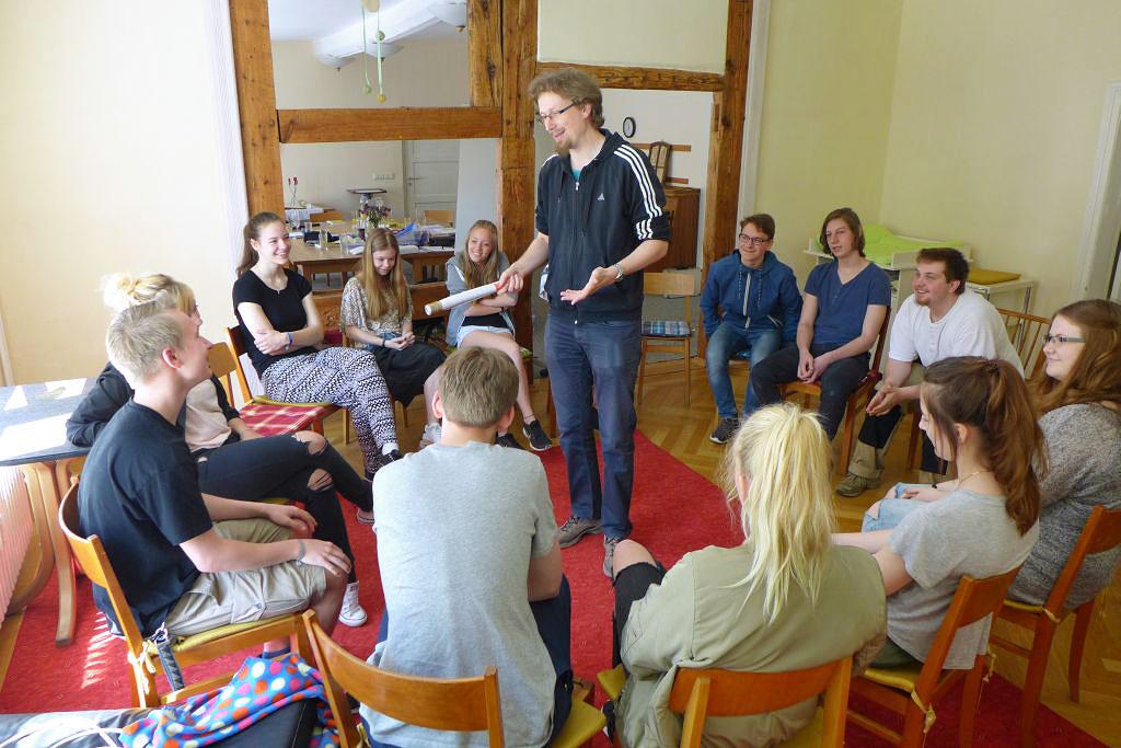 Dr. Knallfall und Mitarbeiter der Kinder- und Jugendwoche 2016