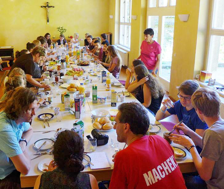 Gemeinsames Frühstück mit Bürgermeisterin Klabunde und der Israelaustauschgruppe