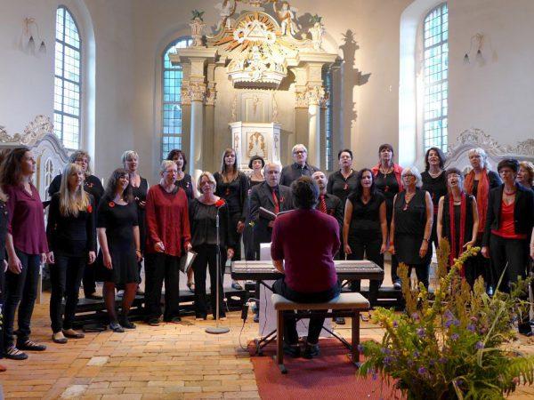 150 berührte Menschen bei seelenvollen Gospelkonzert
