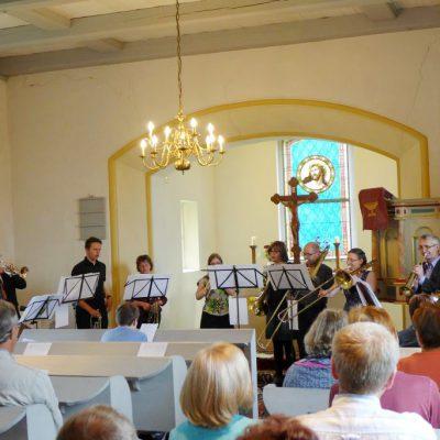 Kreative sächsische Bläser beim Konzert in der Dorfkirche zu Gömnigk