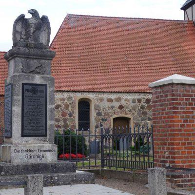 Saniertes Kriegerdenkmal Gömnigk