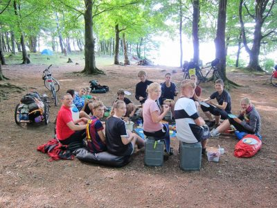 Essen im Wald - Schweden-Fahrradtour 2016