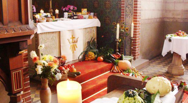 Erntedankgaben in der Kirche Trebitz
