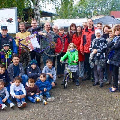 Bei 300 haben wir aufgehört zu zählen - Fahrrad-Selbsthilfewerkstatt eingeweiht