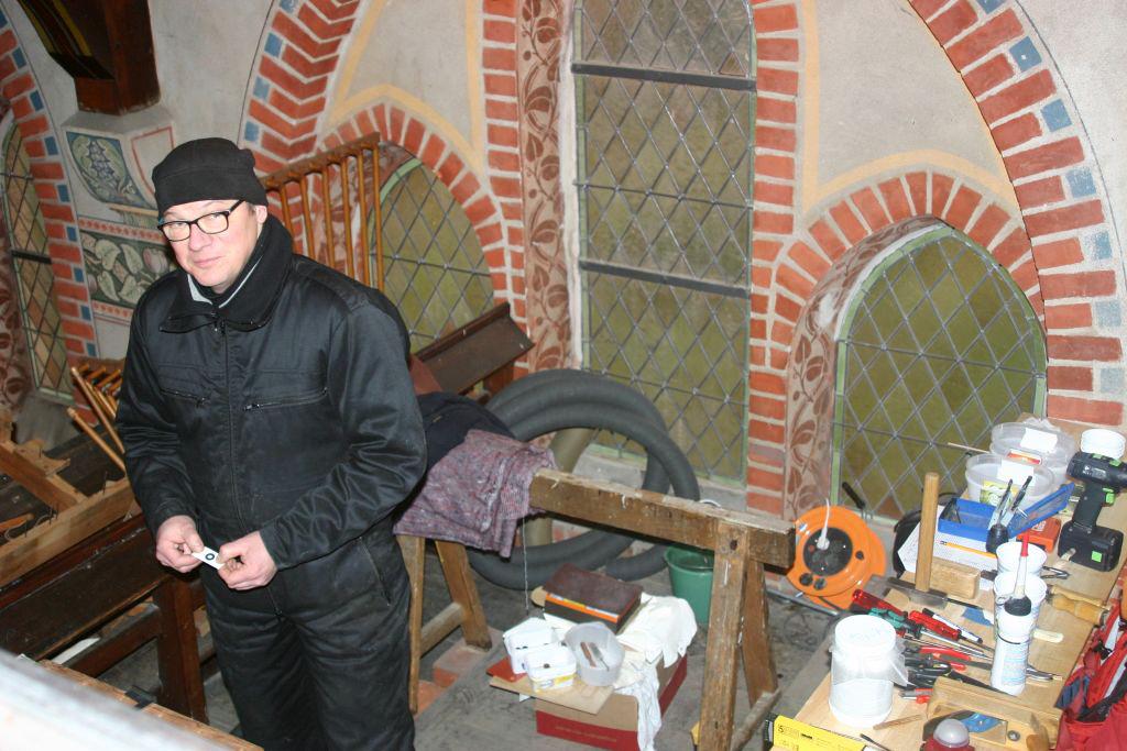 Orgelbau in der Kirche Trebitz