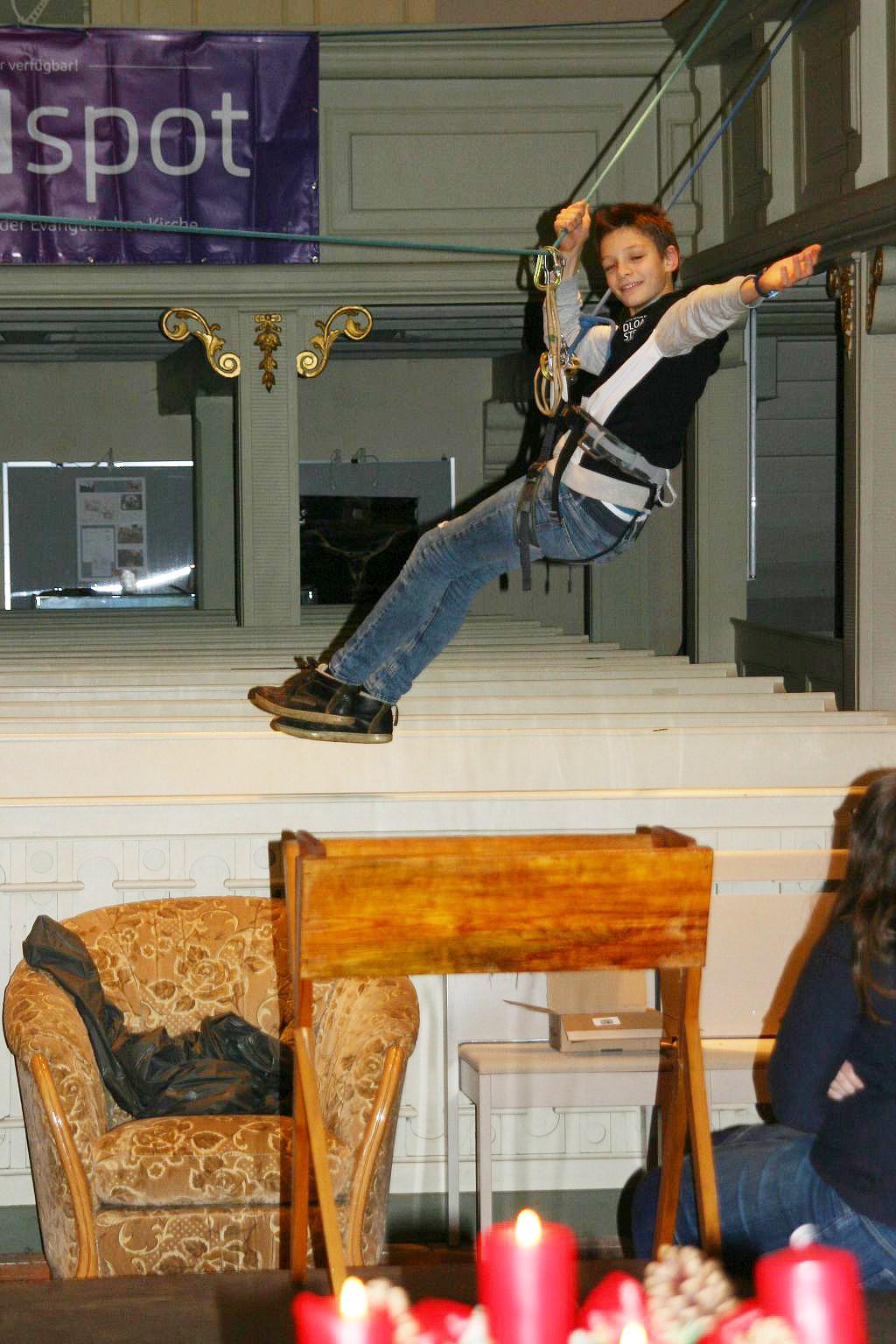 evangelische kirche br ck aus dem bengel wird ein engel krippenspiele im pfarrbereich br ck. Black Bedroom Furniture Sets. Home Design Ideas